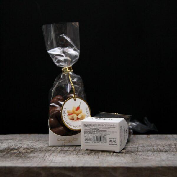 Orzech Nerkowca w mlecznej czekoladzie z chili