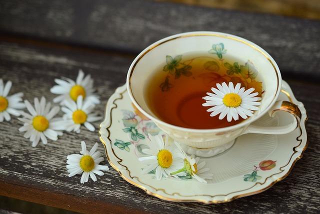 Czym, zamiast cukru, można słodzić herbatę?